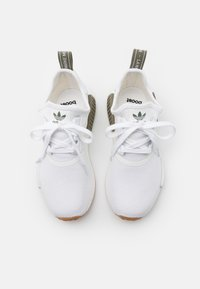adidas Originals - NMD_R1 UNISEX - Joggesko - footwear white - 3