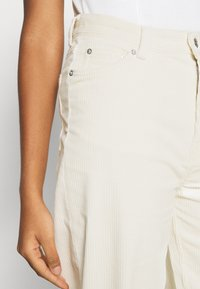 Weekday - LASHES TROUSERS - Trousers - cream - 3