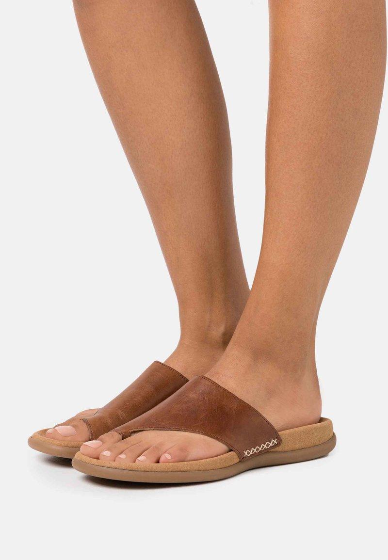 Gabor - T-bar sandals - peanut