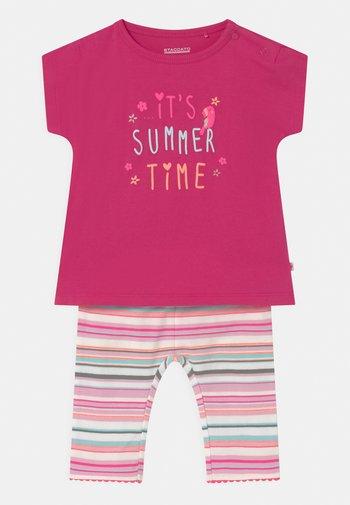 BABY SET - Print T-shirt - neon pink/multi-coloured