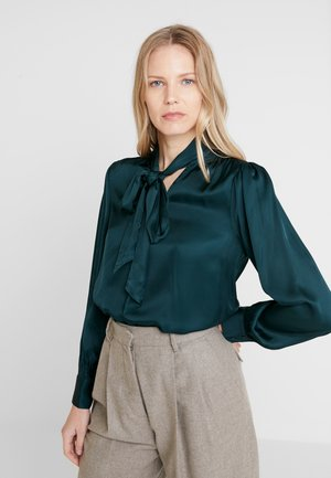 BLOUSE - Blouse - jungle green