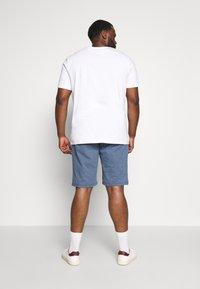 TOM TAILOR MEN PLUS - CHINO STRUCTURE - Shorts - dark blue - 2