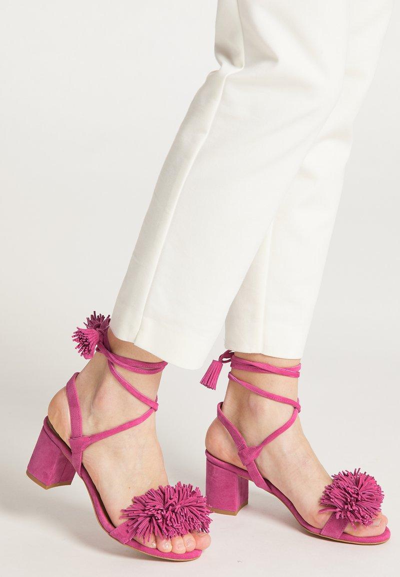 IZIA - Sandalen - pink