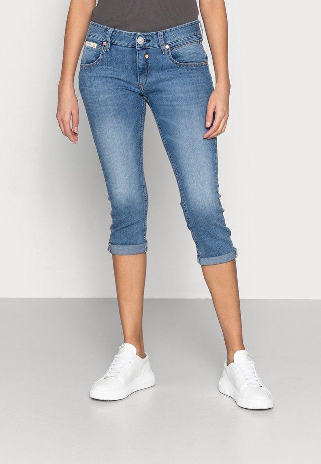 TOUCH CAPRI DENIM - Skinny džíny - blend