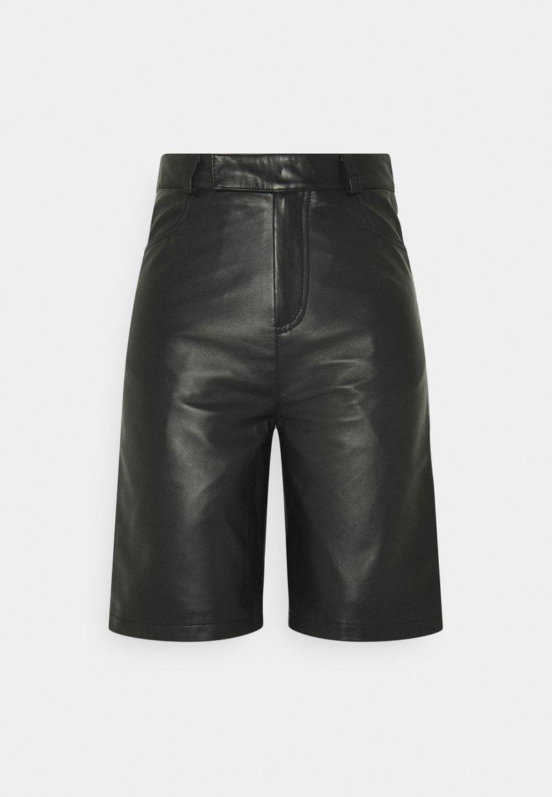 Deadwood - BOI - Shorts - black