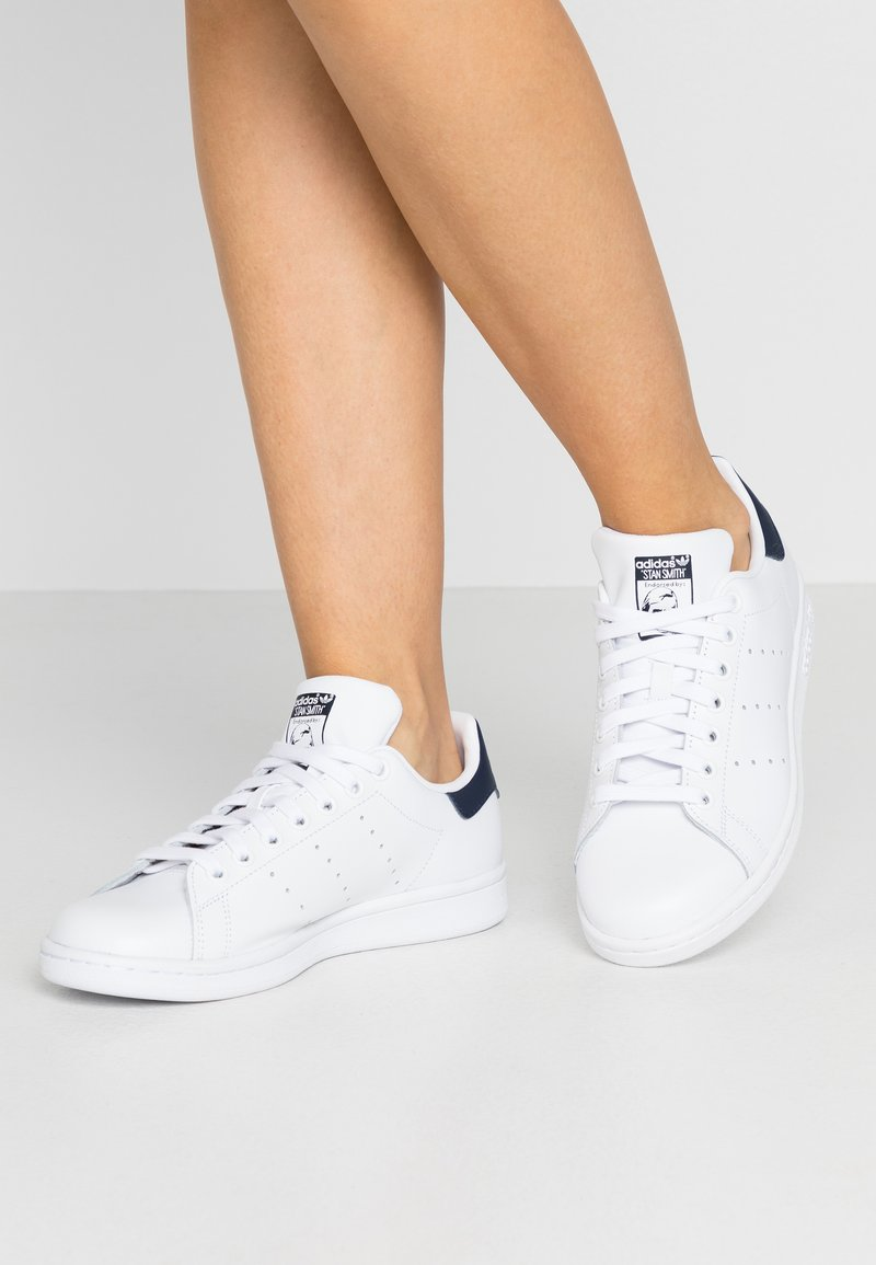 adidas Originals - STAN SMITH  - Baskets basses - footwear white/collegiate navy