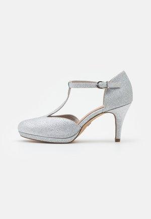 Platåsko - silver glam