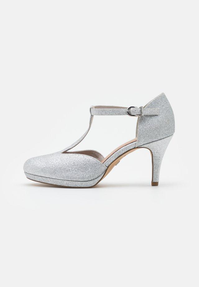 Platform heels - silver glam