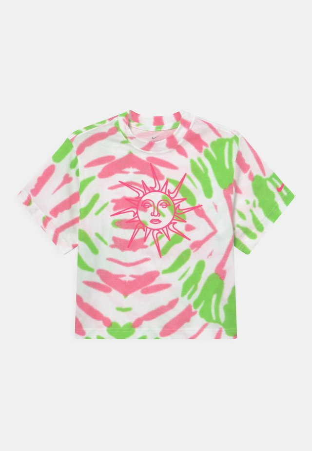 BOXY TIE DYE - Print T-shirt - white/sunset pulse/green strike