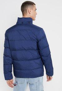Calvin Klein Jeans - HOODED DOWN PUFFER  - Winter jacket - blue - 3