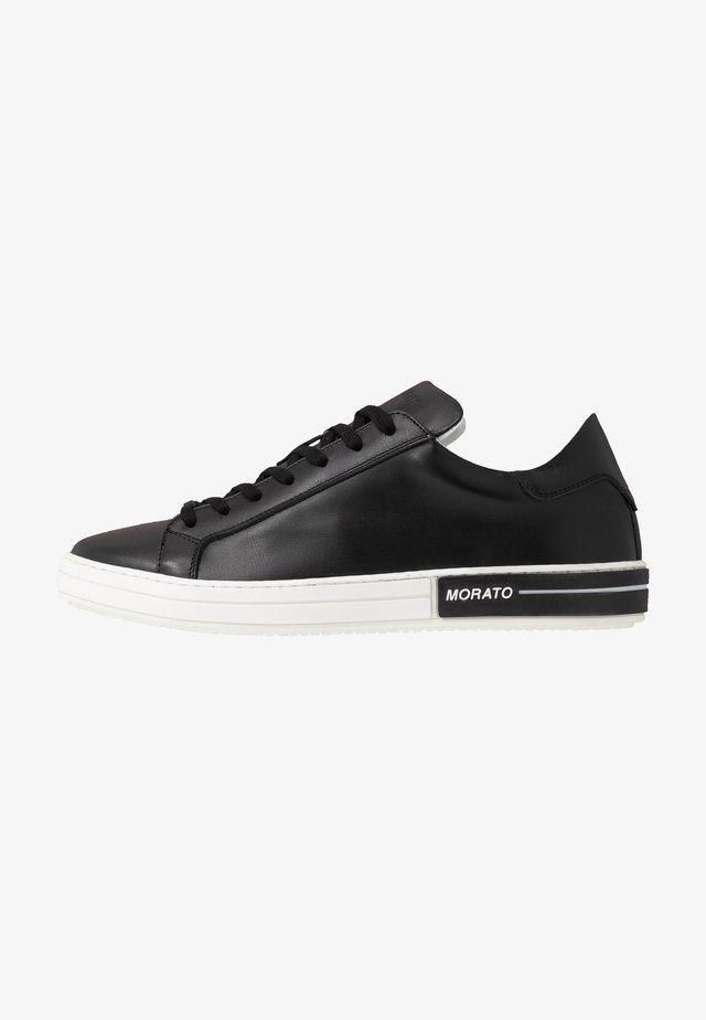 PILOT - Sneakersy niskie - black