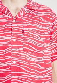 Levi's® - CUBANO SHIRT - Koszula - paradise pink - 5