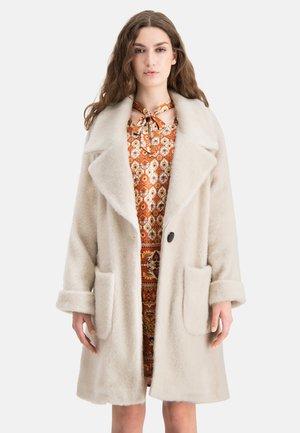 Winter coat - weiãŸ