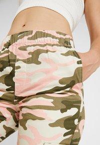 TWINTIP - Trousers - dark green - 4