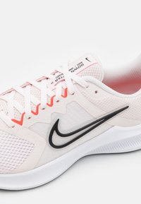 Nike Performance - DOWNSHIFTER 11 - Zapatillas de running neutras - light soft pink/black/magic ember/white - 5