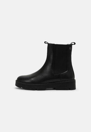 SMOLA - Vinterstøvler - black