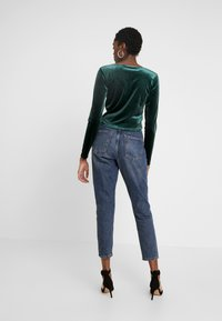 Monki - OLLE - Bluzka z długim rękawem - dark green - 2