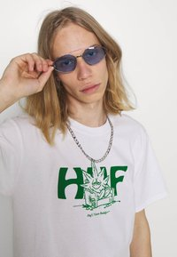 HUF - IN DA COUCH TEE - Print T-shirt - white - 3