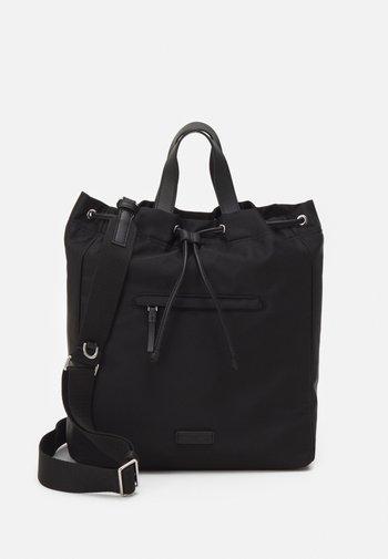 ARINA - Shoppingveske - black