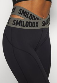 Smilodox - LEGGINGS INTERTWIST - Collants - schwarz - 3