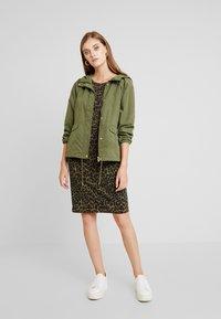 b.young - RIZETTA DRESS - Jersey dress - olive night - 1