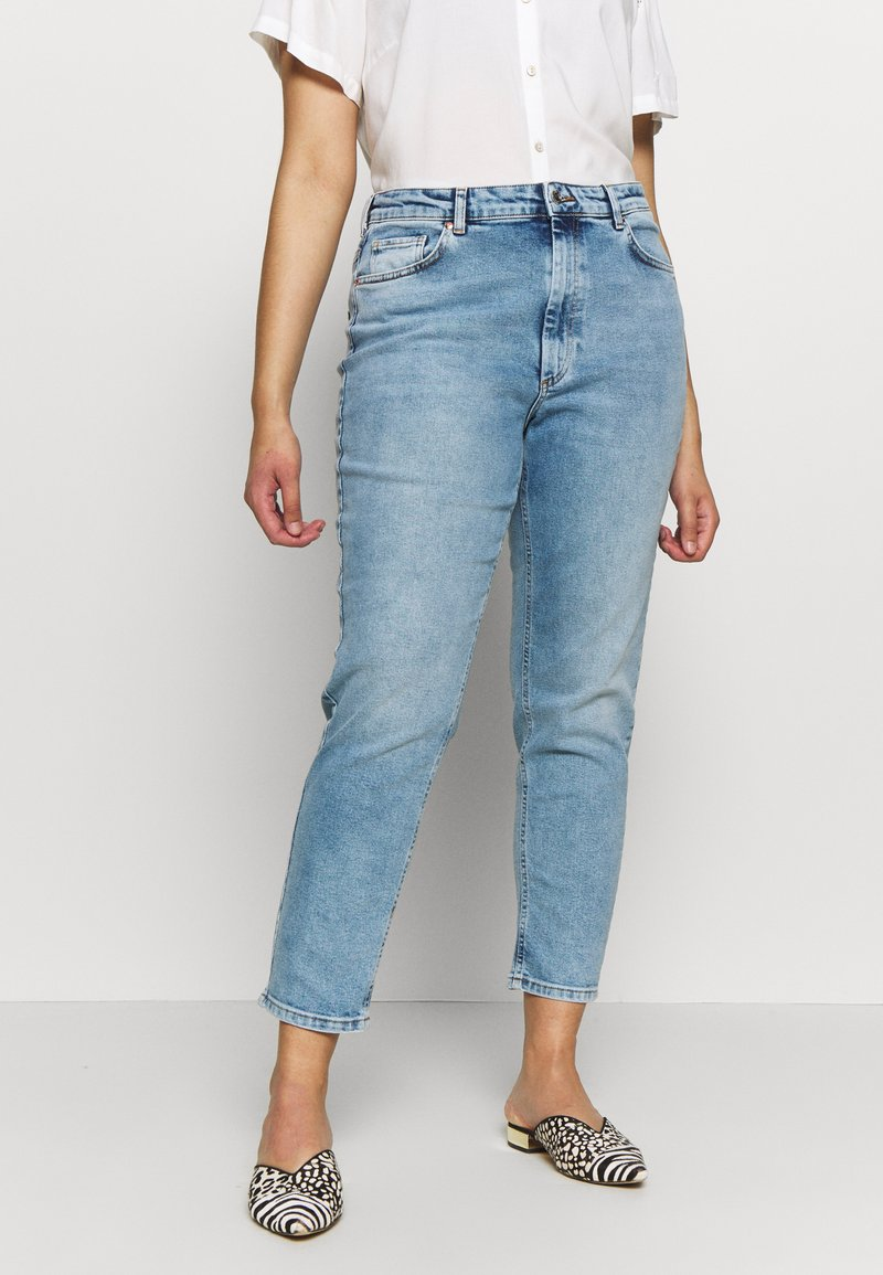 ONLY Carmakoma - CARENEDA LIFE  - Jeans Skinny Fit - light blue denim
