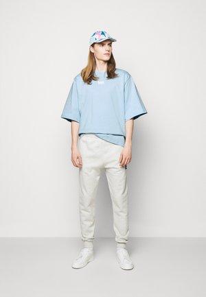 TEE - Print T-shirt - dream blue