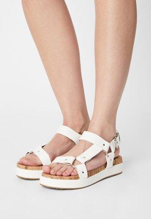 LUSSO - Sandales à plateforme - white