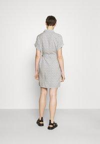 Vero Moda - VMSIMPLY EASY SHIRT DRESS - Shirt dress - navy blazer - 2