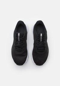 Nike Performance - REVOLUTION 5 - Zapatillas de running neutras - black/white/anthracite - 3