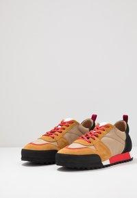 CLOSED - Sneakers - khaki - 2