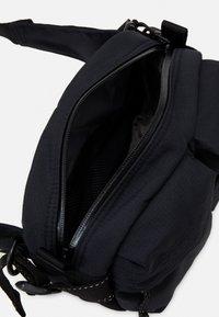 Peak Performance - BUM BAG - Bum bag - black - 2