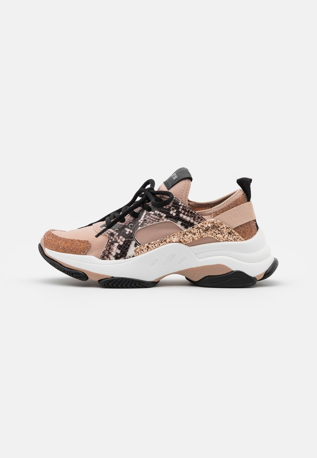 AJAX - Sneakers - rose gold