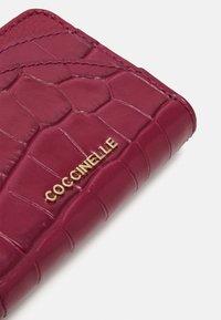 Coccinelle - ZIP CARD CASE - Peněženka - purple - 4