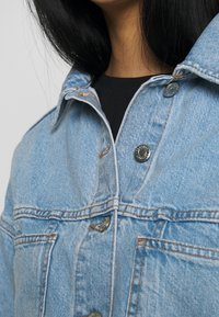 Topshop - CROP JACKET - Denim jacket - blue denim - 5