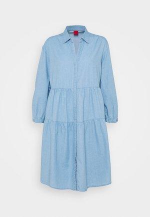 EGY - Sukienka koszulowa - light blue