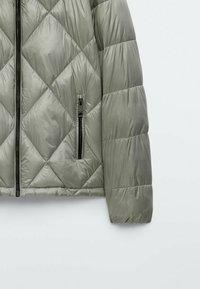Massimo Dutti - MIT ABNEHMBARER KAPUZE  - Winter jacket - blue - 5
