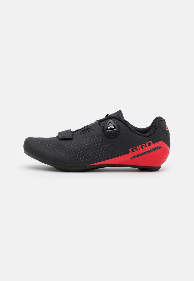 GIRO CADET - Sykkelsko - black/bright red