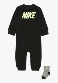 Nike Sportswear - ICON COVERALL BABY SET - Kruippakje - black - 0