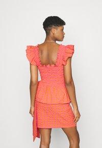 Never Fully Dressed - GINGHAM  - Pusero - orange - 2