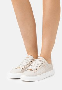 Mexx - CRISTA - Sneakers laag - sand - 0