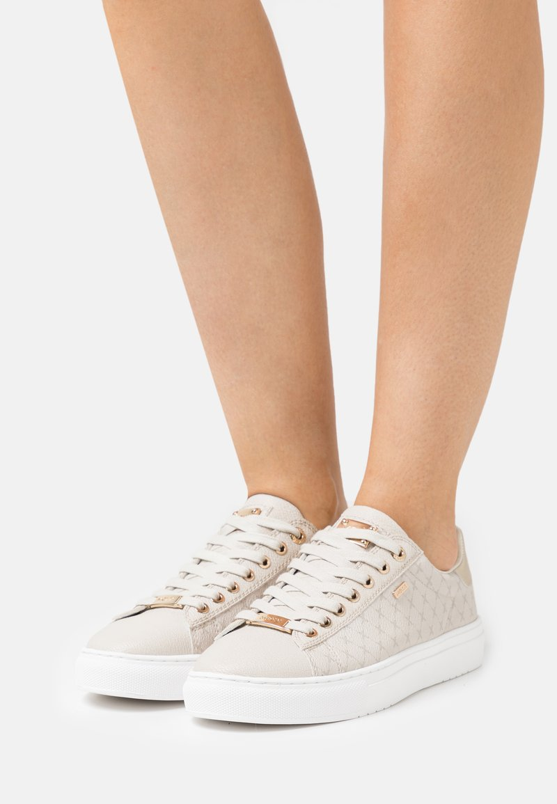 Mexx - CRISTA - Sneakers laag - sand