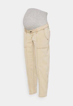 MLSTANFORD CROPPED CARGO - Trousers - cornstalk