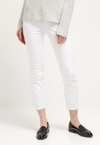 MAC Jeans - Dream Summer - Slim fit jeans - white - 0