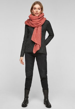 Scarf - coral knit