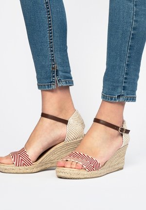 COMPENSÉES ETÉ - Wedge sandals - red