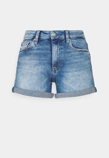 MID RISE SHORT ROLLED - Jeansshorts - denim dark