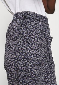 Résumé - CODY PANT - Trousers - navy - 3