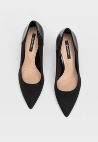 Stradivarius - Højhælede pumps - black - 2