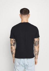 274 - SCRIPT TEE - Print T-shirt - black - 2